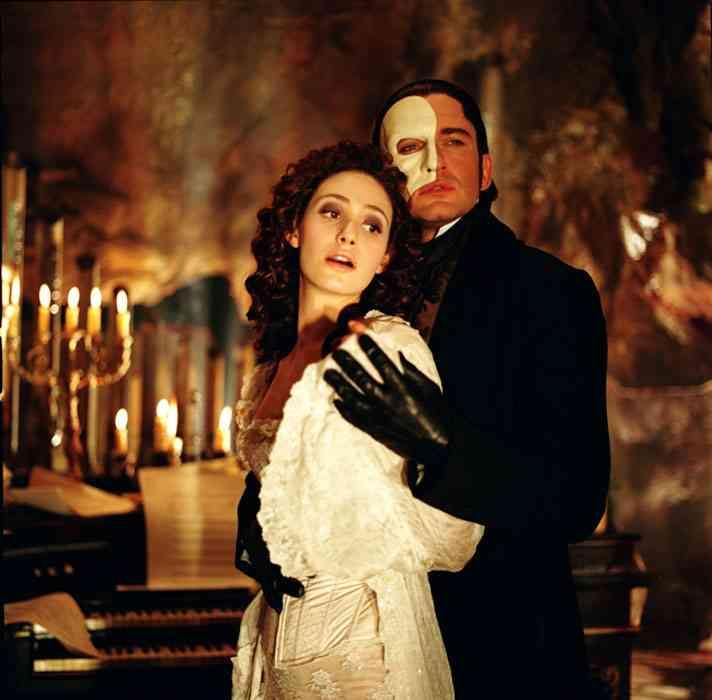 The Phantom Of The Opera 2004 Reeling Reviews